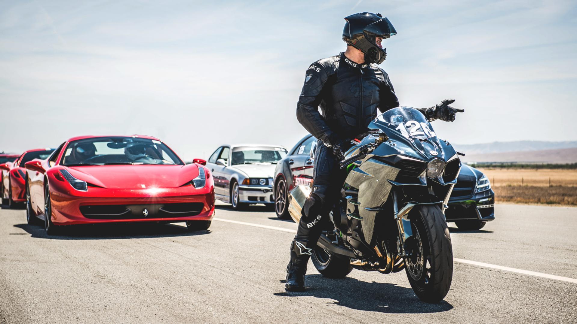 Kawasaki H2 Vs Bmw S1000rr Idea Di Immagine Del Motociclo